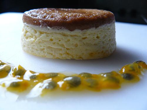 Flans de fromage blanc au fruit de la passion (1)