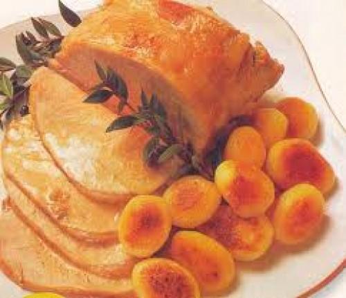 Lomo de cerdo con puré de castañas, manzanas y jamón