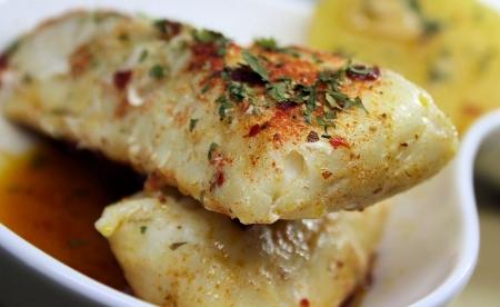 merluza-al-horno-con-patatas