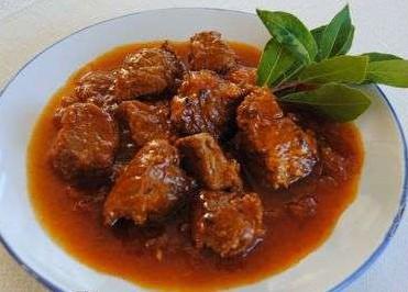 Carne con tomate al estilo andaluz